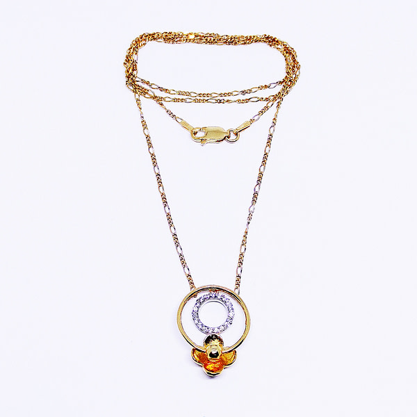 LILY-GO-ROUND Pendant With Chain